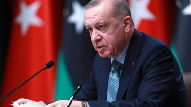 """أردوغان عن مشاجرة وزير خارجيته مع اليونان.. """"أوقفه عند حده"""""""