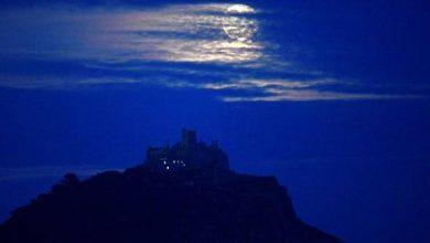 السبت .. «القمر الأزرق» و«أورانوس» يزينان السماء في «الهالوين»