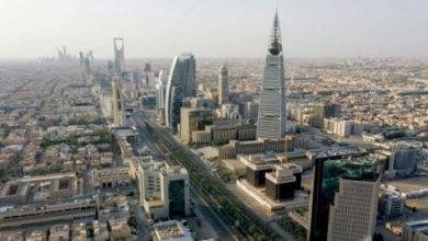 السعودية لإعادة النشاط الاقتصادي إلى ما قبل الجائحة بفتح كلي «حذر»