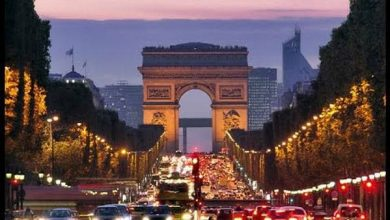 «الشانزيليه» يتزين بـ 70 ألف لمبة استعدادا للإحتفال بأعياد الميلاد – بوابة الأسبوع