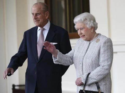 بعد قضائها فترة الإغلاق مع زوجها... الملكة إليزابيث تعود إلى قلعة وندسور وحيدة
