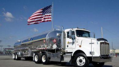تراجع مخزونات الخام والوقود الأميركية... والنفط فوق 50 دولاراً للبرميل