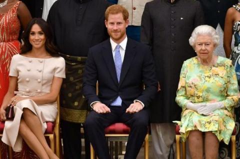 تقرير: الملكة إليزابيث قد توبخ الأمير هاري بسبب تعليقاته حول السياسة الأميركية