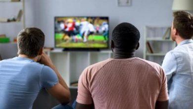 شركة تقدم 500 دولار لمشجعي الكرة مقابل تناول الطعام ومشاهدة المباريات