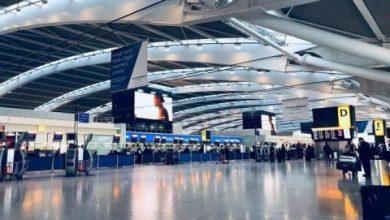 ضغط برلماني على الحكومة البريطانية لتوضيح خطة استئناف السفر الجوي