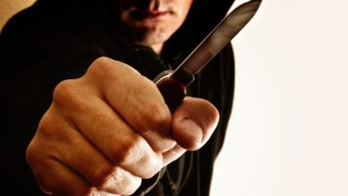 فظيع في باب سويقة: فار من السجن مسلح بسكين يستغل حظر التجوال للسطو على المنازل |