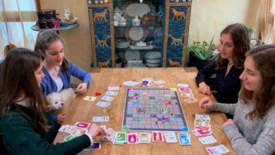«فيروس كورونا»... لعبة اخترعها 4 أخوات ألمانيات تلقى رواجاً