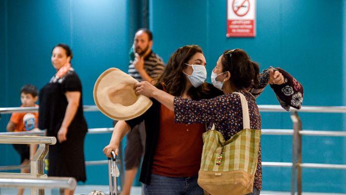 """كورونا / تونس : عدوى ناجمة عن المواطنين العائدين من """"المناطق الخضراء"""""""