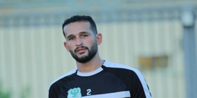 لاعب المنتخب المصري يطعن زميله بسكين ويحاول قتله |