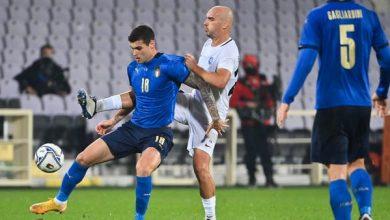 منتخب إيطاليا يطعم لاعبيه ضد فيروس كورونا